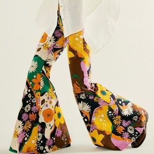 Free People Just Float On Psychedelic Floral Print Super High Rise Flare